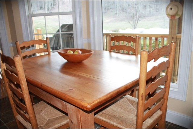 Kitchen table refinish - Refinished kitchen table ...